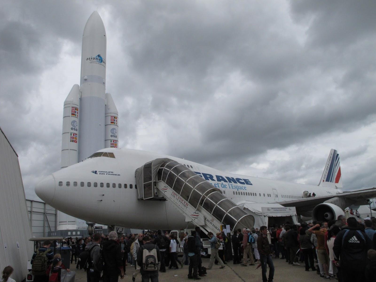Round the world trip le bourget paris air show for Bourget paris