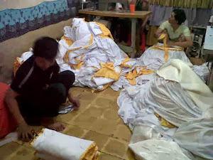 pembuat tenda pesta