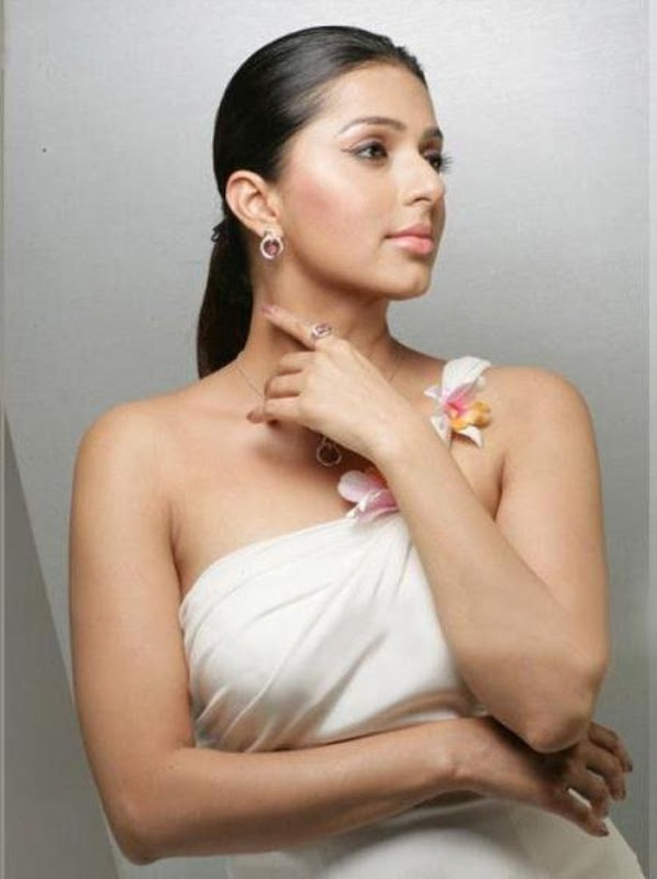 Bhumika Chawla Photoshoot gallery pictures