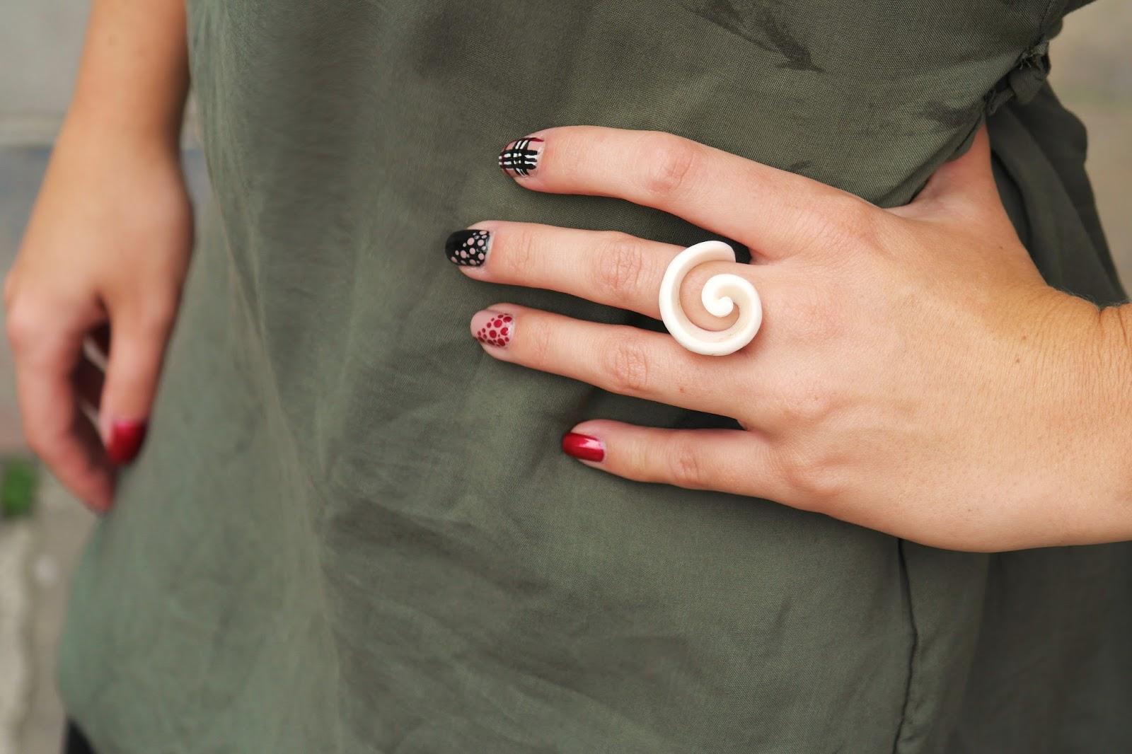 Burberry nail art