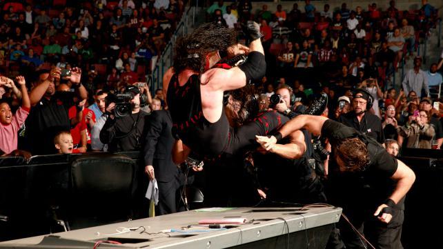 WWE Smackdown 03.05.2013 Triple+Powerbomb+to+Kane
