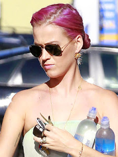 Katy Perry Goes Pink Hair