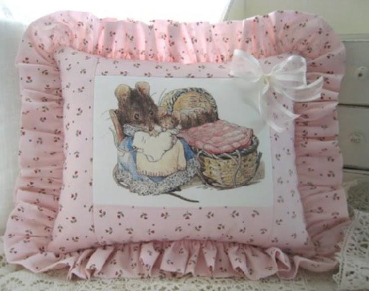 Cuscino Beatrix Potter con topolina