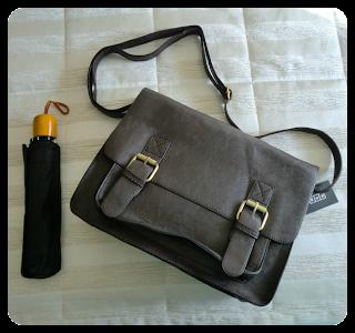 bolso y paraguas misako