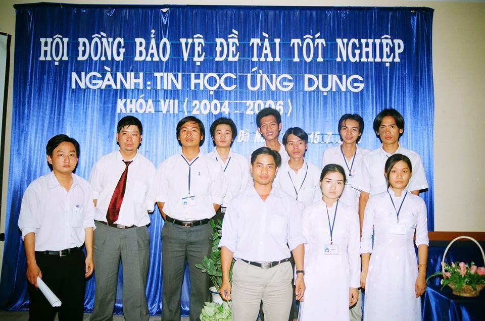 Ninh Xuân Trường và nhóm thực hiện đề tài tốt nghiệp