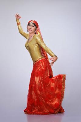 Xem Hoài Linh làm công chúa Ấn Độ miễn chê