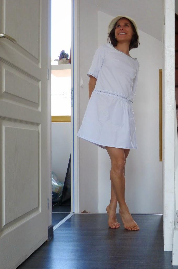 Apres la robe bleu ou blanche