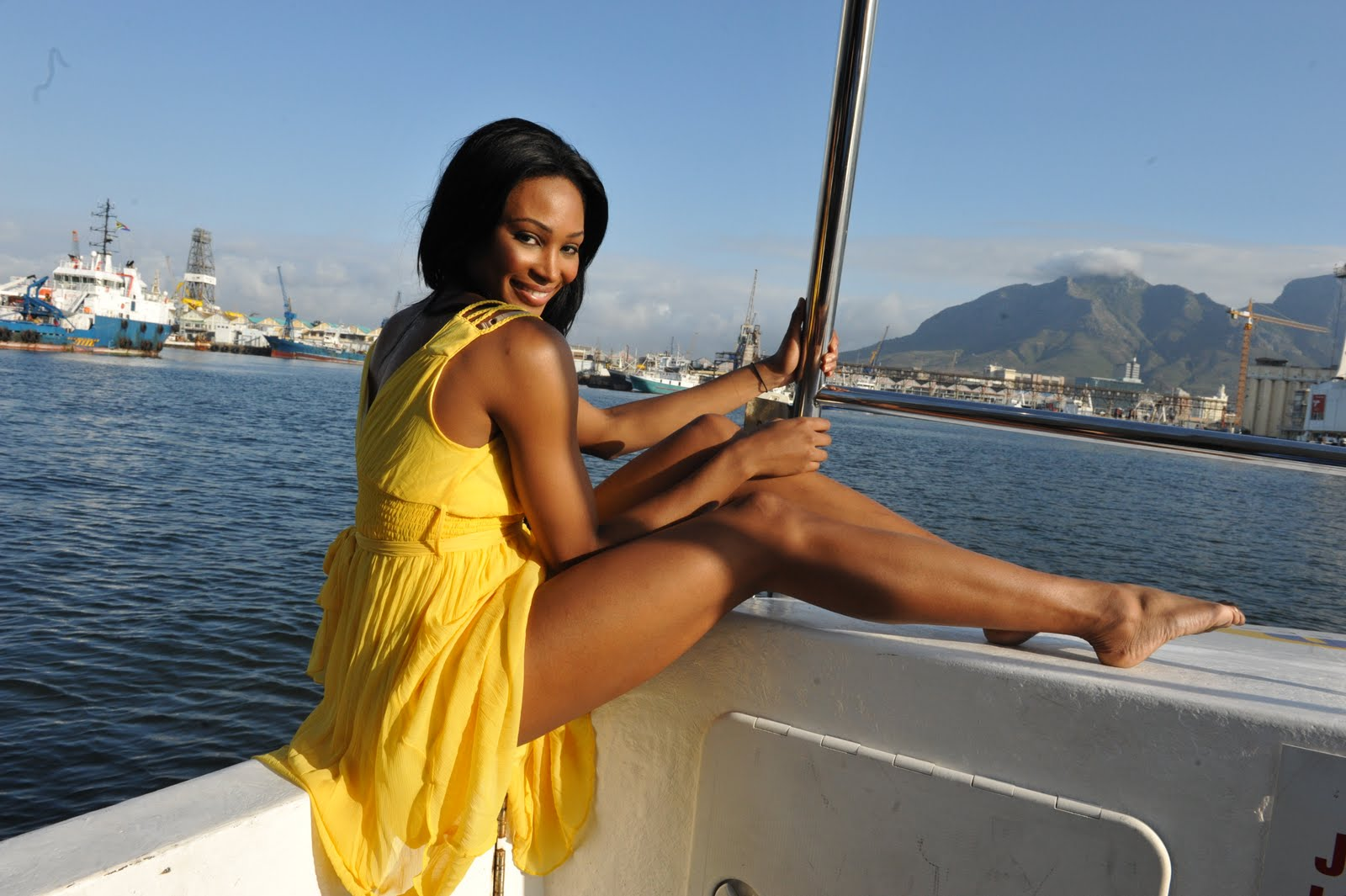 Black Women with nice legs>>>any other race | Sports, Hip ...