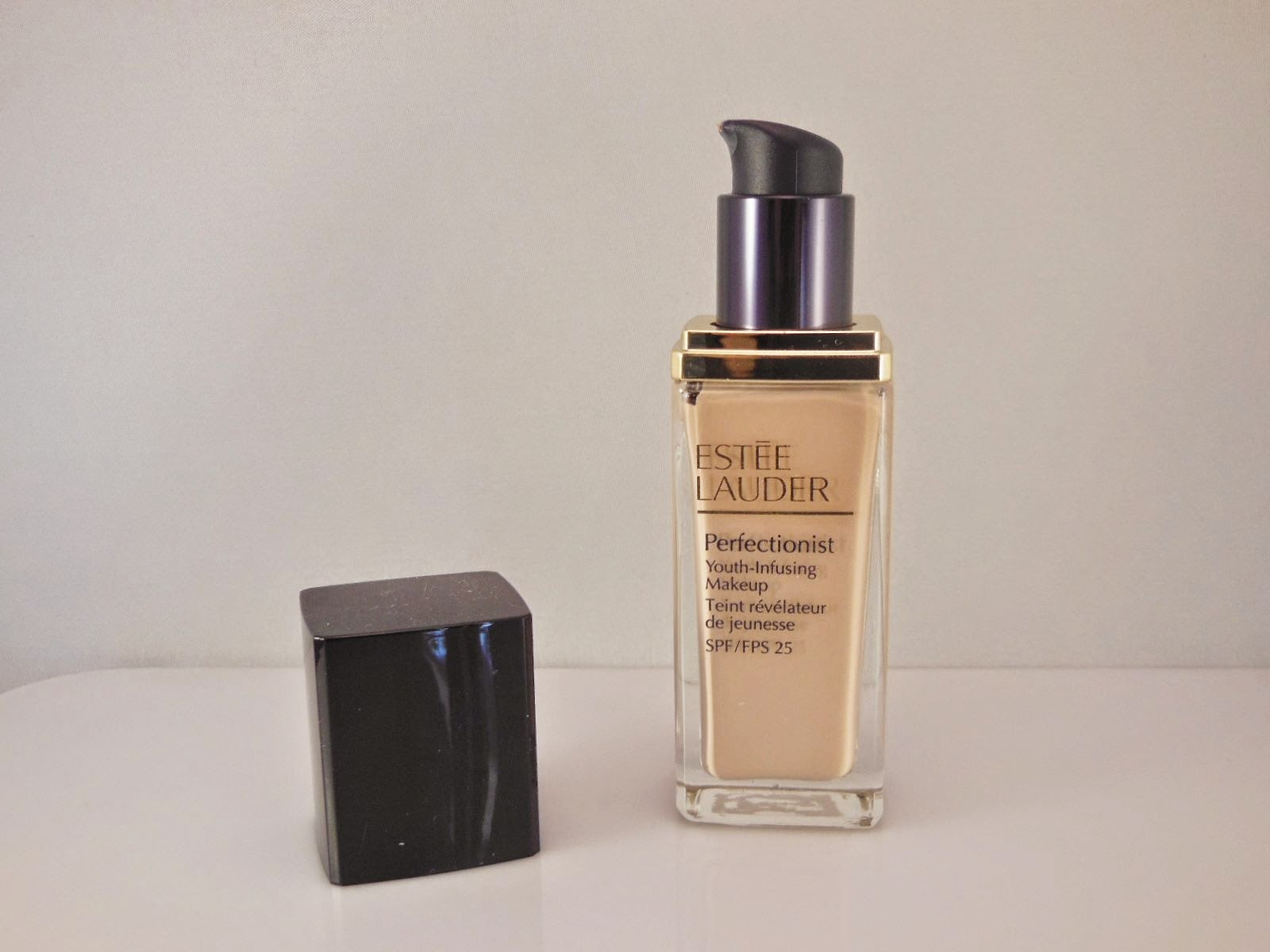 Luminesce Jeunessglobal Product Review Estee Lauder Perfectionist Wrinkle Lifting This Serum Helps To Smooth The Skin And Help Plump Lines Wrinkles So Longer More You Wear Foundation It Will Benefit Your