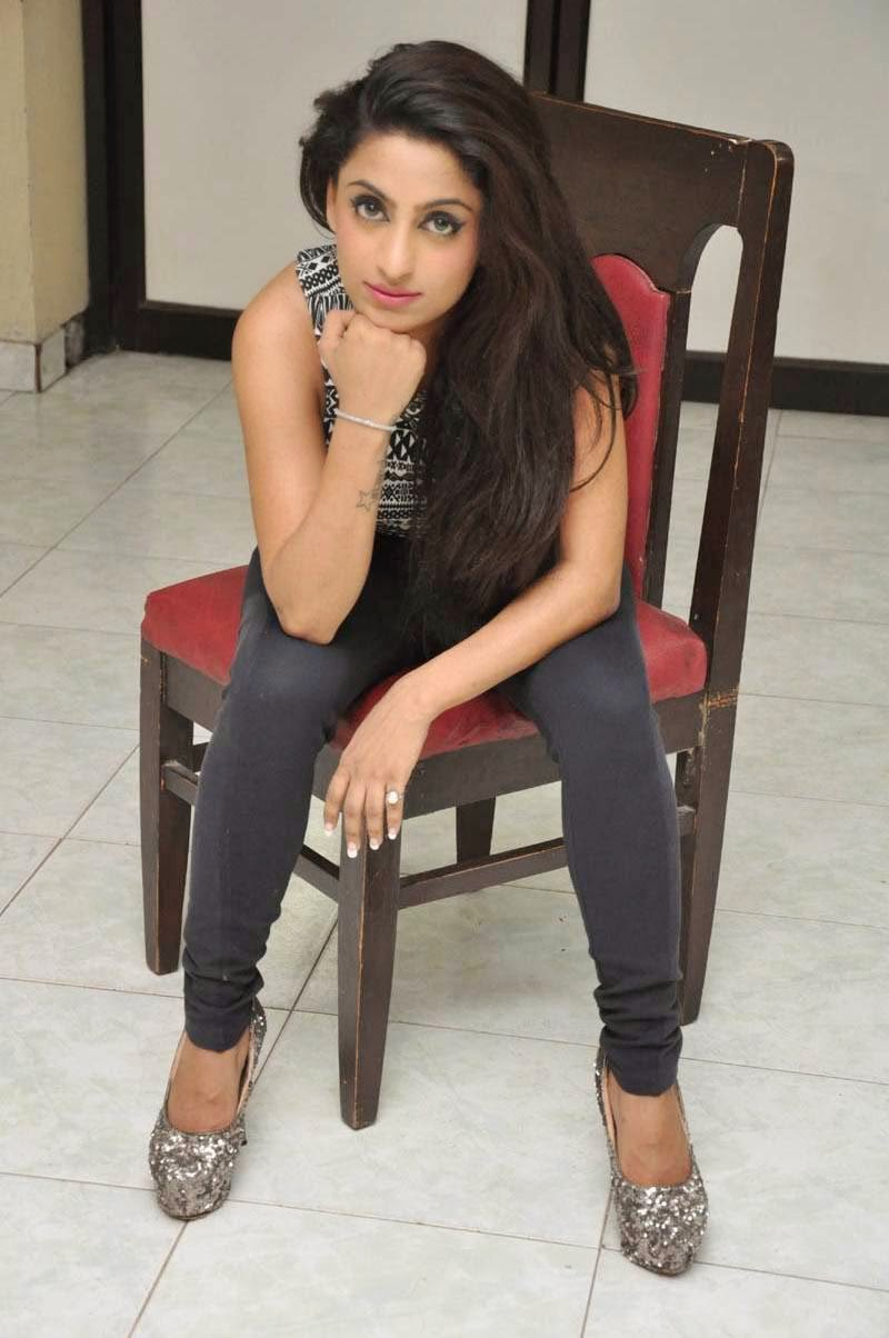 hindu single women in bell Tired of getting nowhere on traditional indian dating sites try elitesingles - the perfect place to meet compatible, eligible indian singles join today.