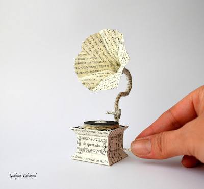 paper-model-gramophone