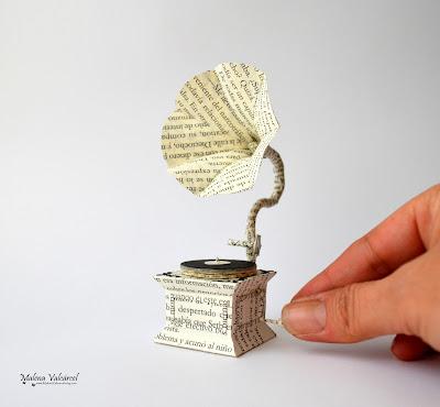 paper-model-gramophone