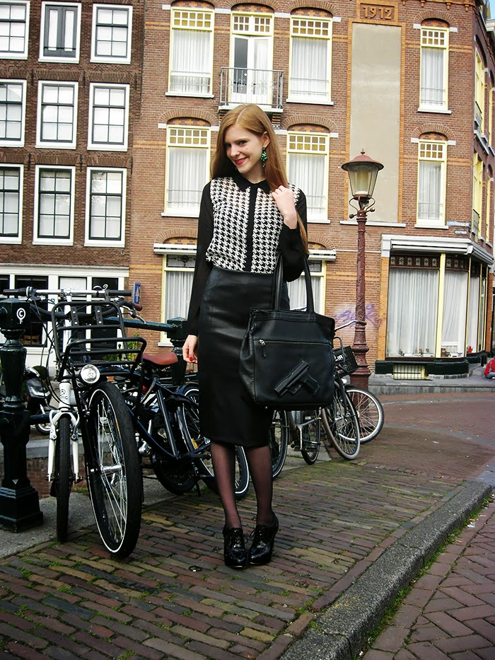 pied de poule houndstooth blouse leather skirt midi blogger outfit fashion