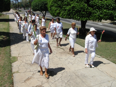 Cuba: EUA TRAMITA MILHARES DE DÓLARES PARA AS DAMAS DE BRANCO