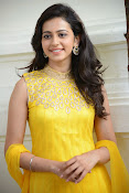 Rakul Preet Singh Gorgeous looking Photos-thumbnail-18