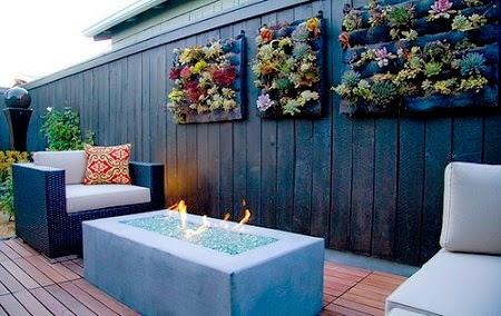 Jardines verticales con palets reciclados for Como hacer un jardin vertical con palets