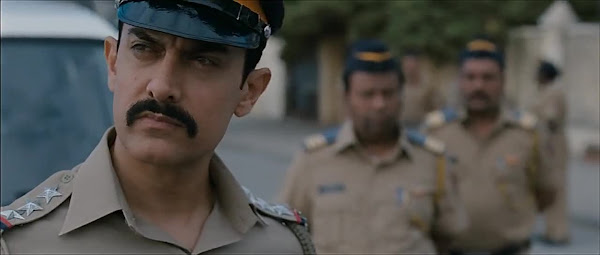 Screen Shot Of Hindi Movie Talaash (2012) Download And Watch Online Free at worldfree4u.com