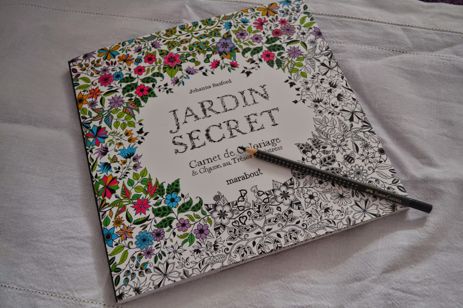 Le coloriage pour adultes art th rapie jardin secret for Akeo jardin secret 2015