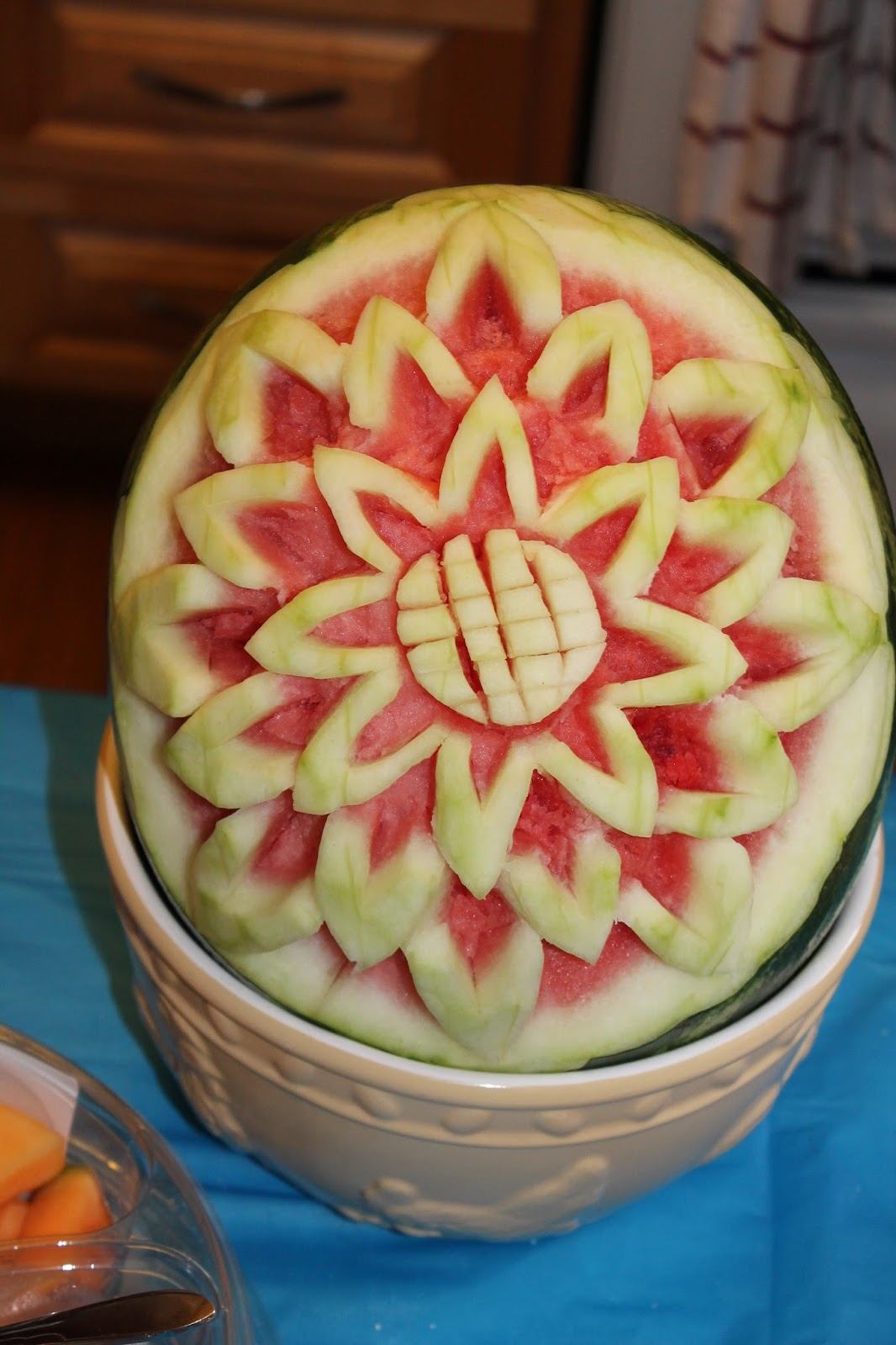 Tam good easy watermelon carving