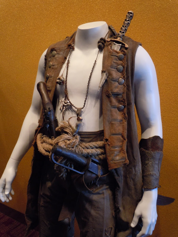 Pirates 4 Zombie Quartermaster outfit