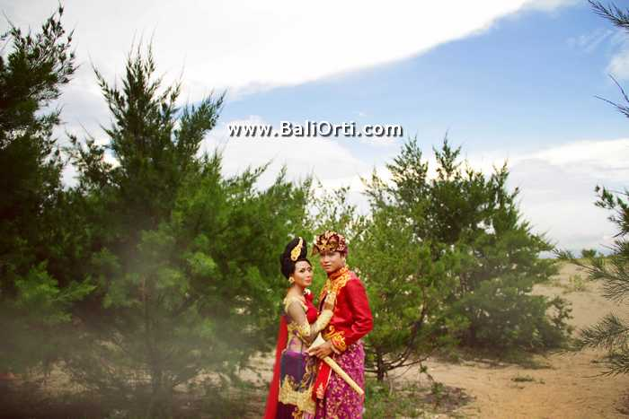 Pre wedding photo shoot in Bali - Sanur Beach