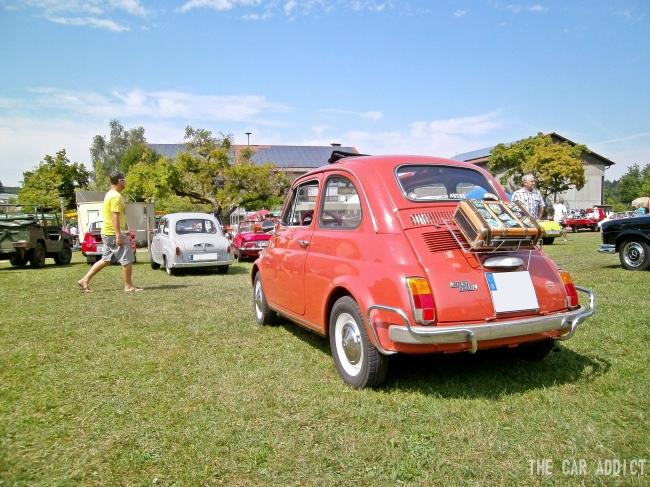 orange red Fiat 500