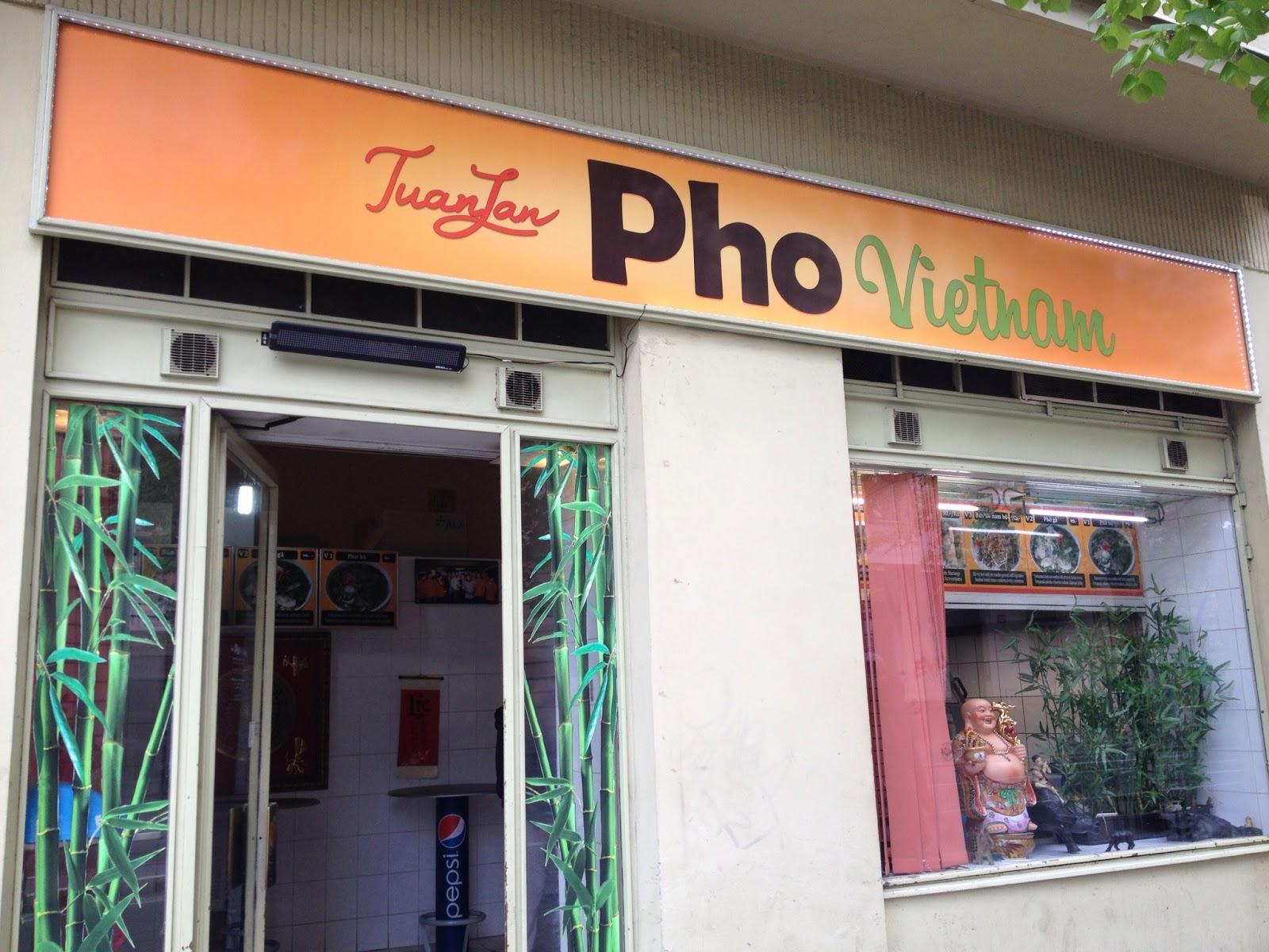 Neighboorhood gems wander prague for Bar food zizkov