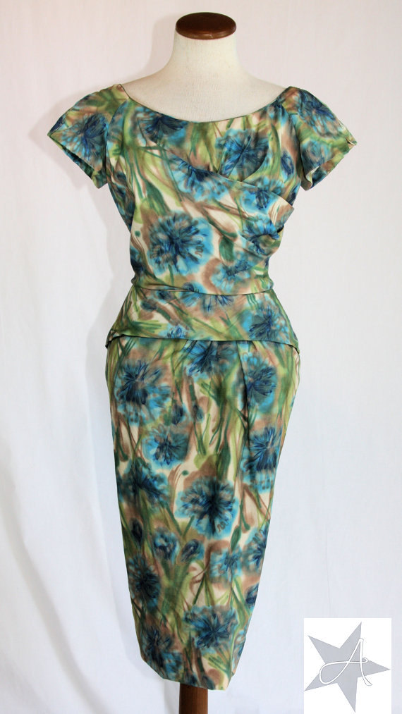 50's - 60's style wiggle dress