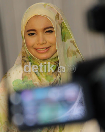 Cantik photos tagged gadis bertudung. Artist wali hihi in this is