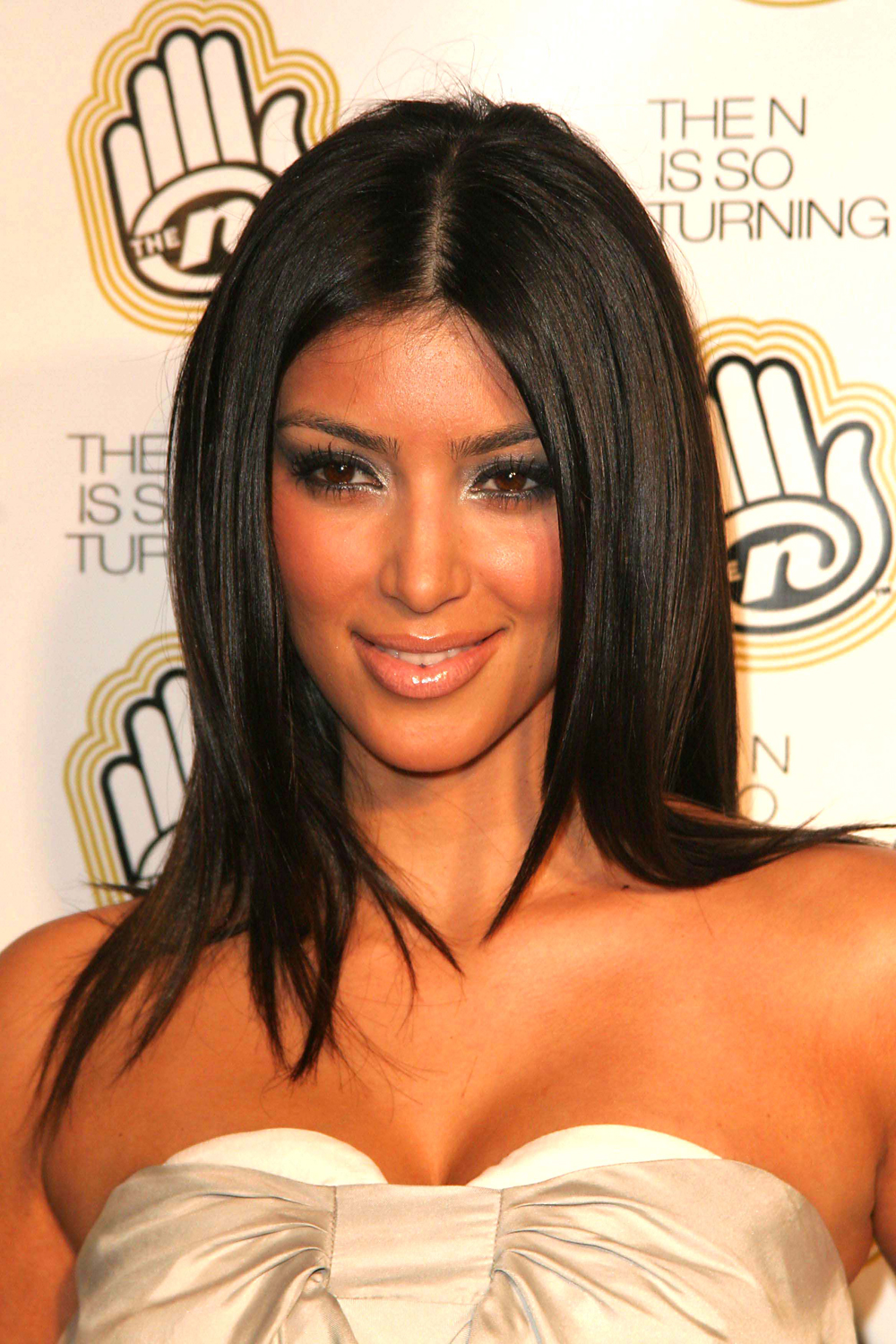 Kim Kardashian Long Straight Hairstyles 02
