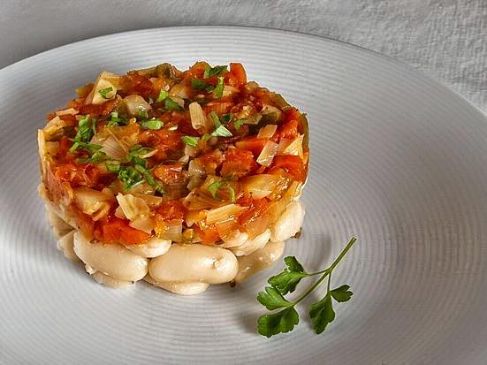 Oreja con salsa de tomate cocinar en casa es for Cocinar judias blancas