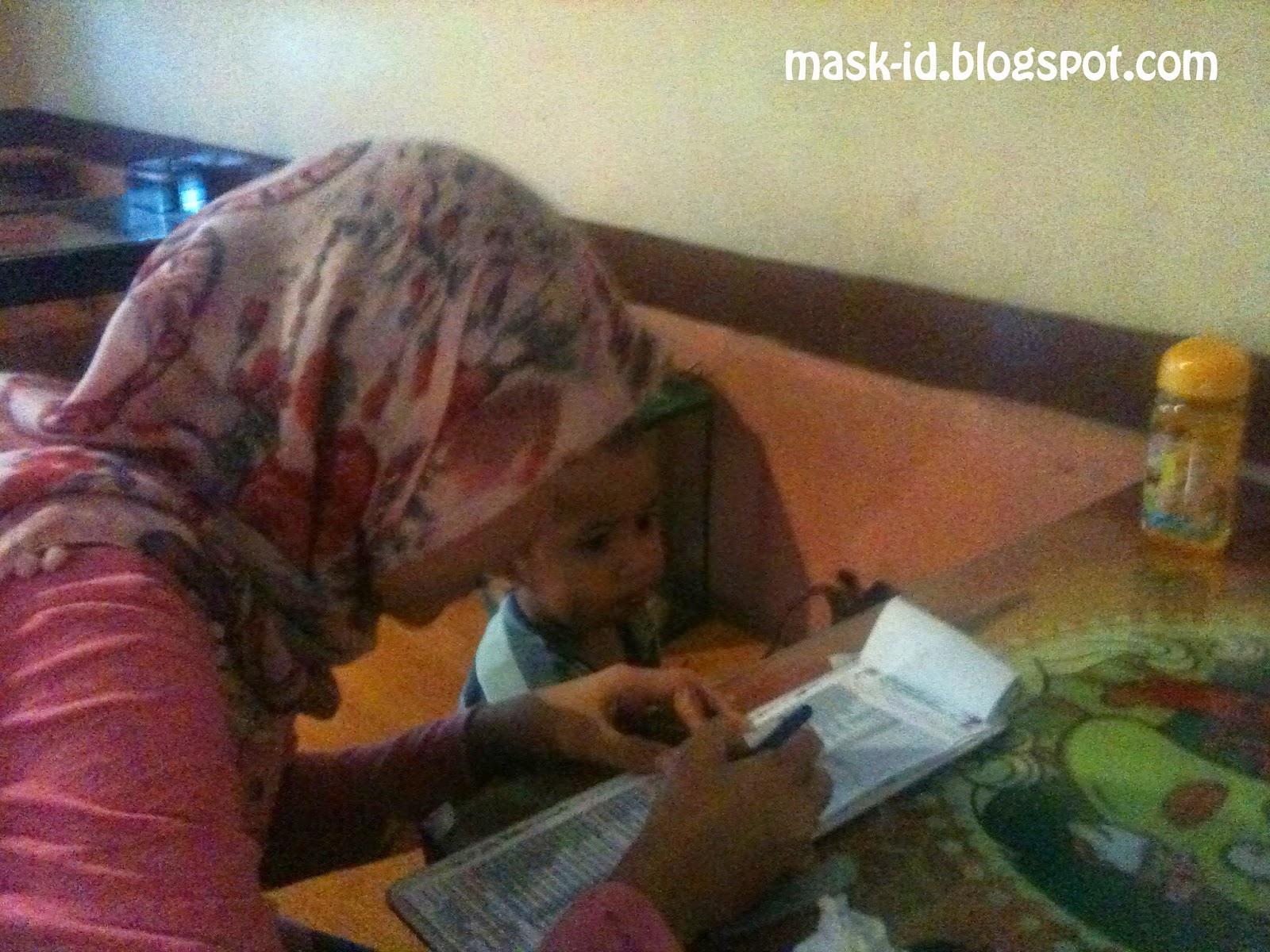 Adik Mau Main Pukul Tikus Ayah | Mas Kid Blog