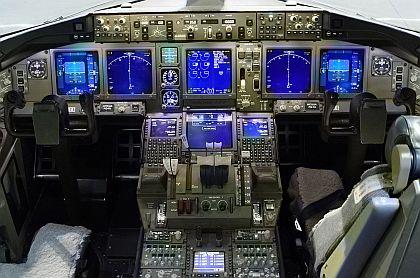 boeing_777_cockpit.jpg