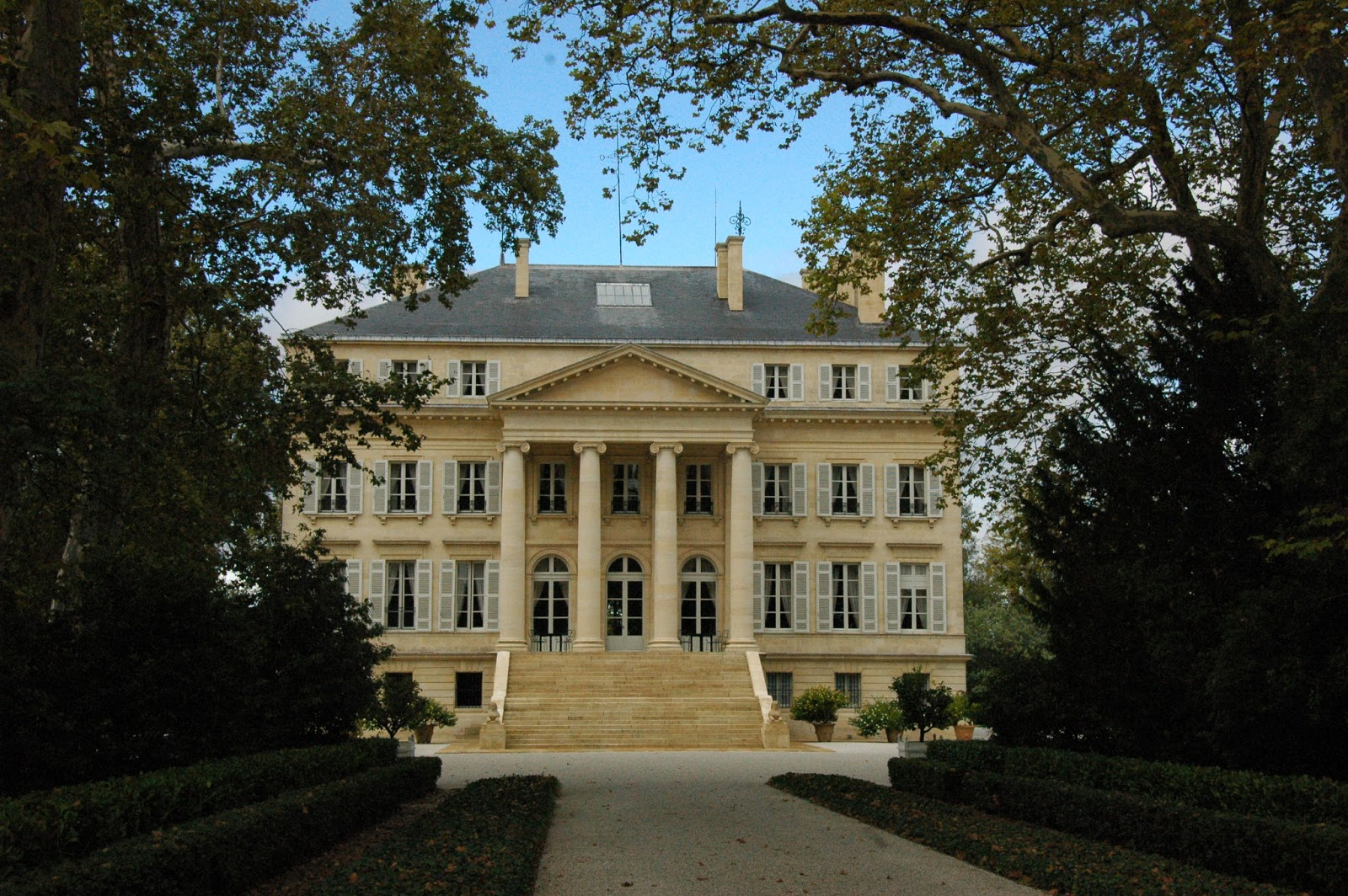 My wines and more lunch at ch teau margaux for Chateau margaux
