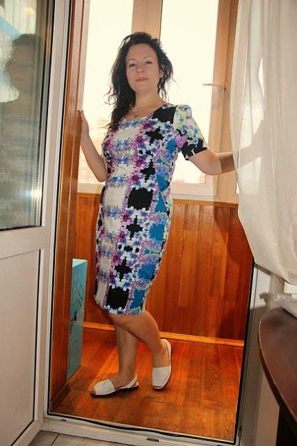 Платье -футляр для лета из стрейч сатина