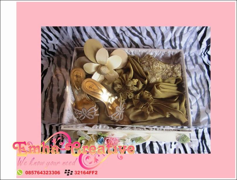 Diposkan oleh EmHa Creative Wedding Shop di 16.00