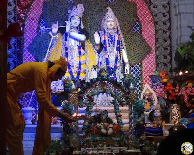 Kripalu Maharaj devotee celebrating Janmashtami 2013 at Prem Mandir