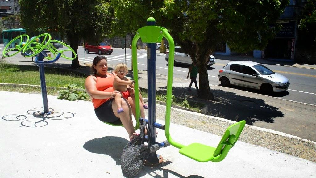 Para Mayná Medeiros, de 28 anos, as academias nas praças são uma boa oportunidade de fazer economia