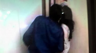 Foto Farhat Abbas Ciuman Dengan Regina