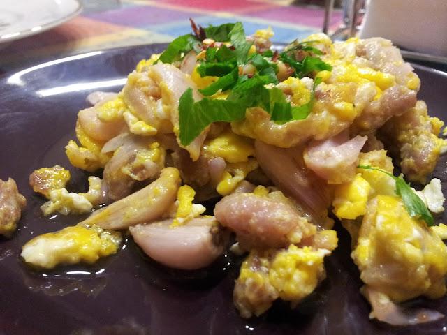 lampascioni, uova e salsiccia