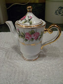Mini Tea Pot   Victorian Garden