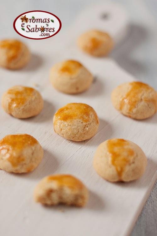 Biscoitos de queijo parmesão