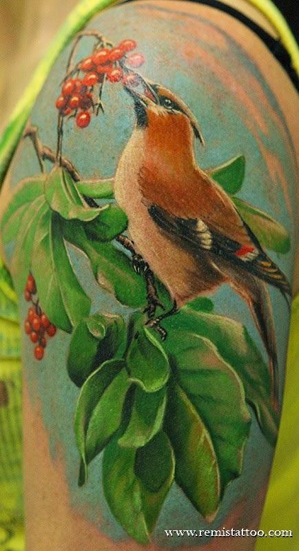 Fant stico mundo da pri tatuagem bra o composi o de for Realistic bird tattoo
