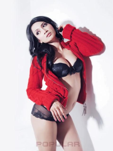 Foto Hot Ika Putri di Majalah Popular