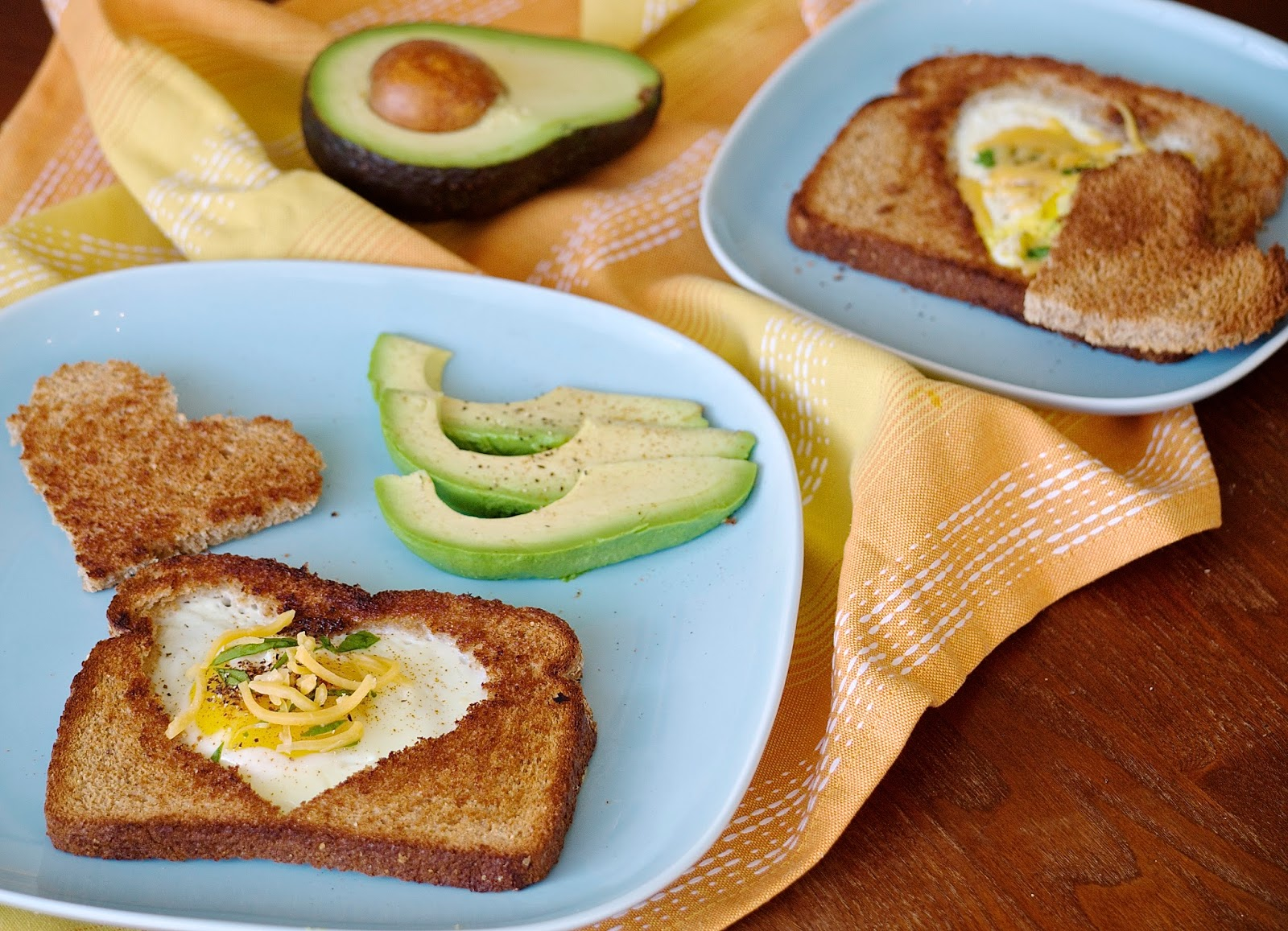 Obsessive Cooking Disorder: Eggs in a Basket (Fried Egg in Toast)