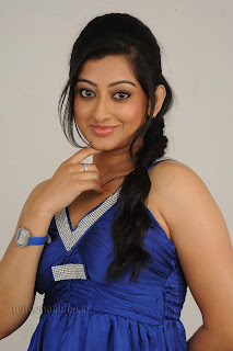 Cute Cheste Movie heroine Tanishka Pictures 005