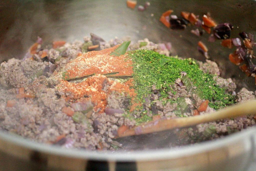 pasta sauce herbs