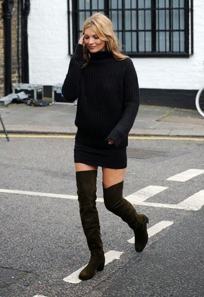 Kate Moss con botas mosqueteras de tacón