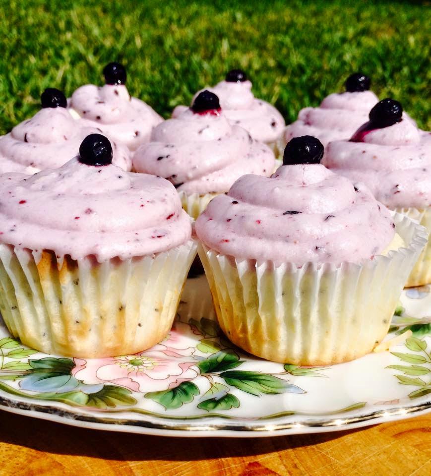... life : lemon poppy seed cupcakes with lemon blueberry buttercream