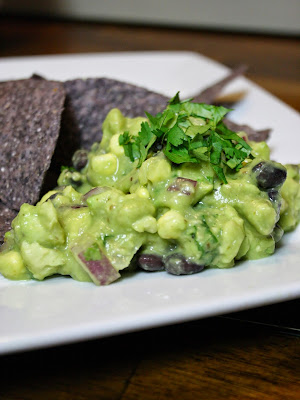 http://www.eatprayjuice.us/2015/02/avocado-dip-with-beans-and-corn.html
